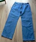 Modré džíny, vel. 44. Prakticky nové, měla jsem je na sobě 2x (poporodní velikost). Bavlna, oranžově prošité švy, dvě kapsy na bocích, dvě na zadku. Délka 102 cm, šířka v pase 2 x 41 cm. 120 Kč