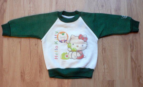 Teplejší mikina Hello Kitty. Bavlna a polyester. Vel. cca 80 - 86. 60 Kč.