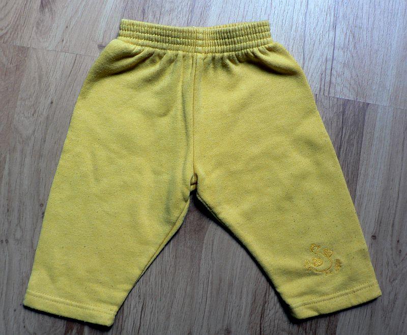 Tepláčky s výšivkou na nohavici, 3 - 6 měsíců, 40 Kč